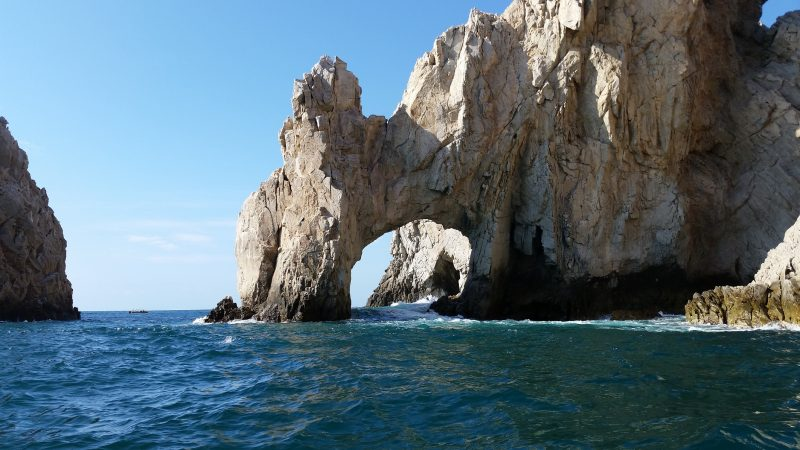 The natural rock arch in the ocean off the coast in Cabo San lucas, Baja California Sur, Mexico.