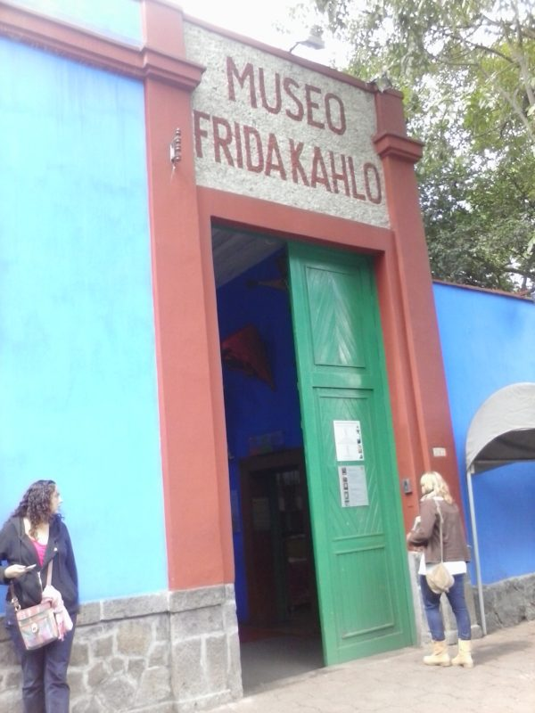 The front entrance of the Museo Frida Kahlo in Mexico City.