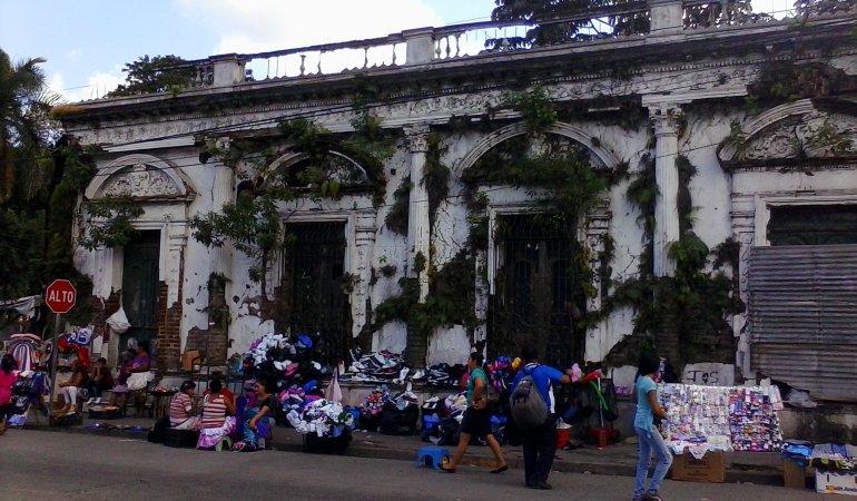 San Salvador Side Trips